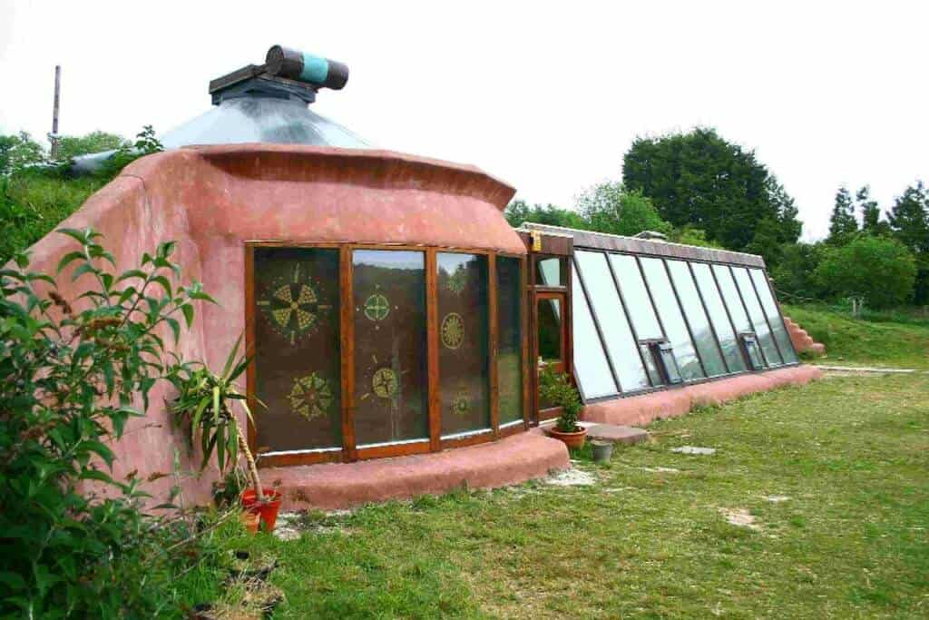 10 Reasons Why Earthships Are A Perfect BOL