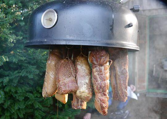 Smoking meat at home