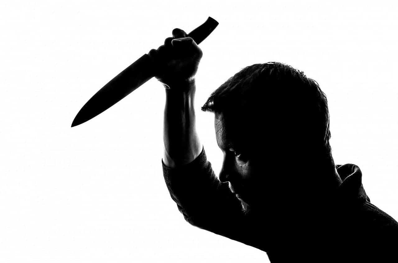 Ten Critical Tips To Edged Weapon Defense
