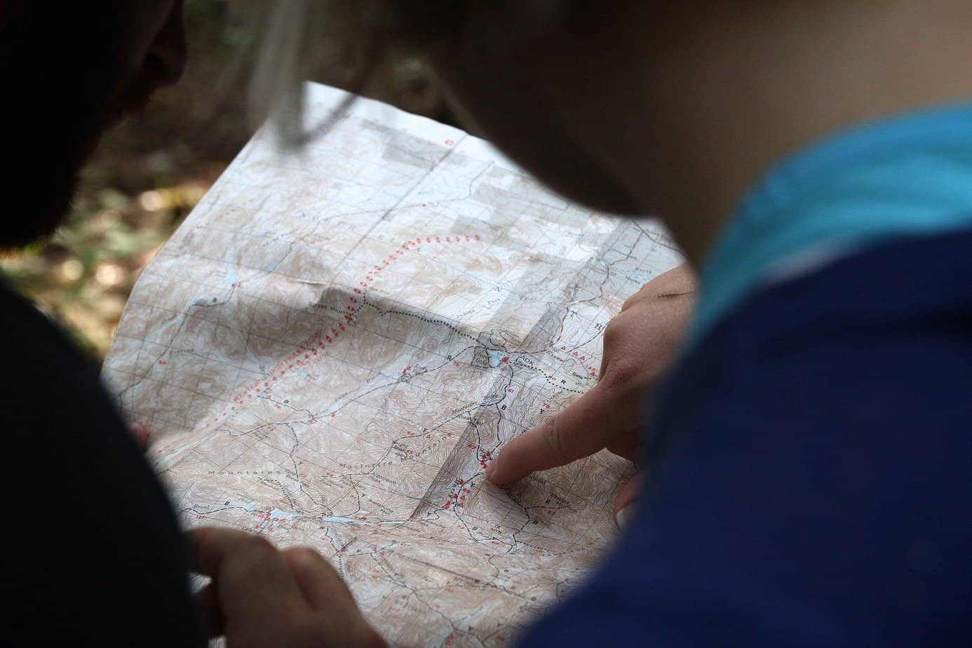 12 Ways To Figure Out Your Direction Without A Compass