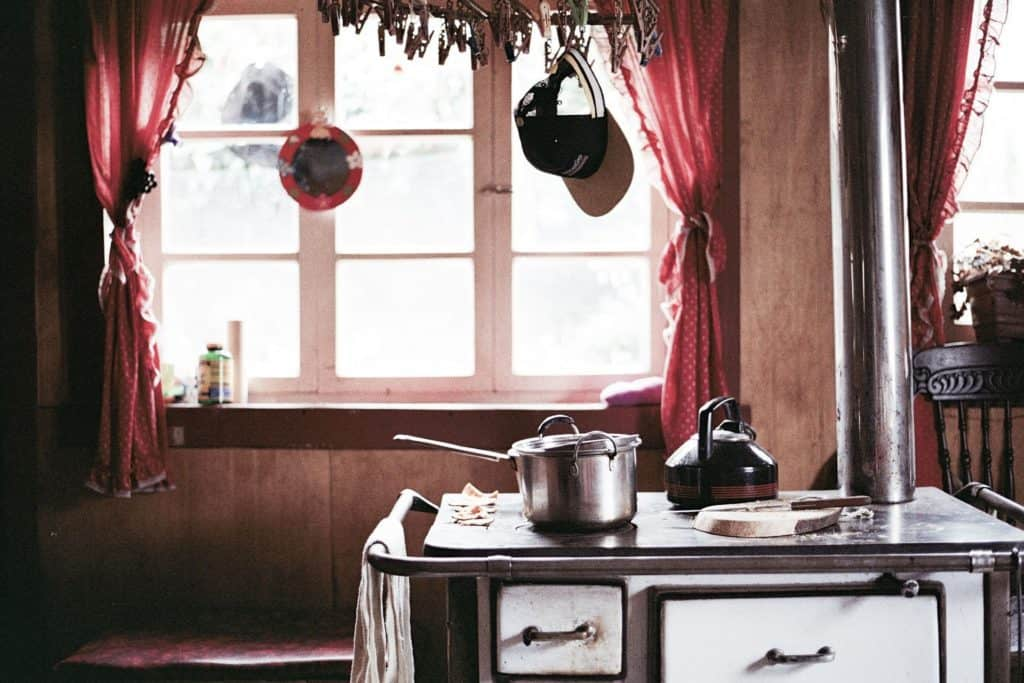 Using A Wood Stove To Stay Warm