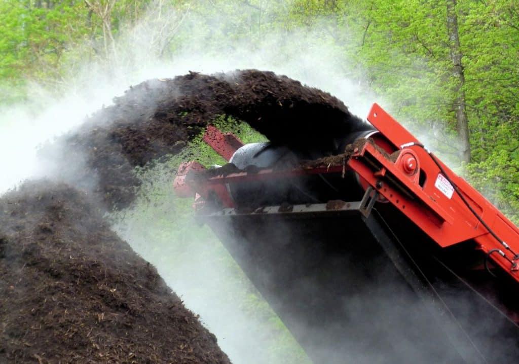 compost vs. mulch