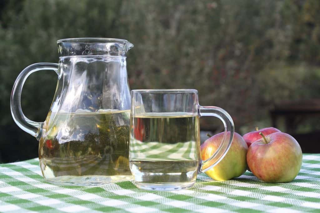 making wine from apples