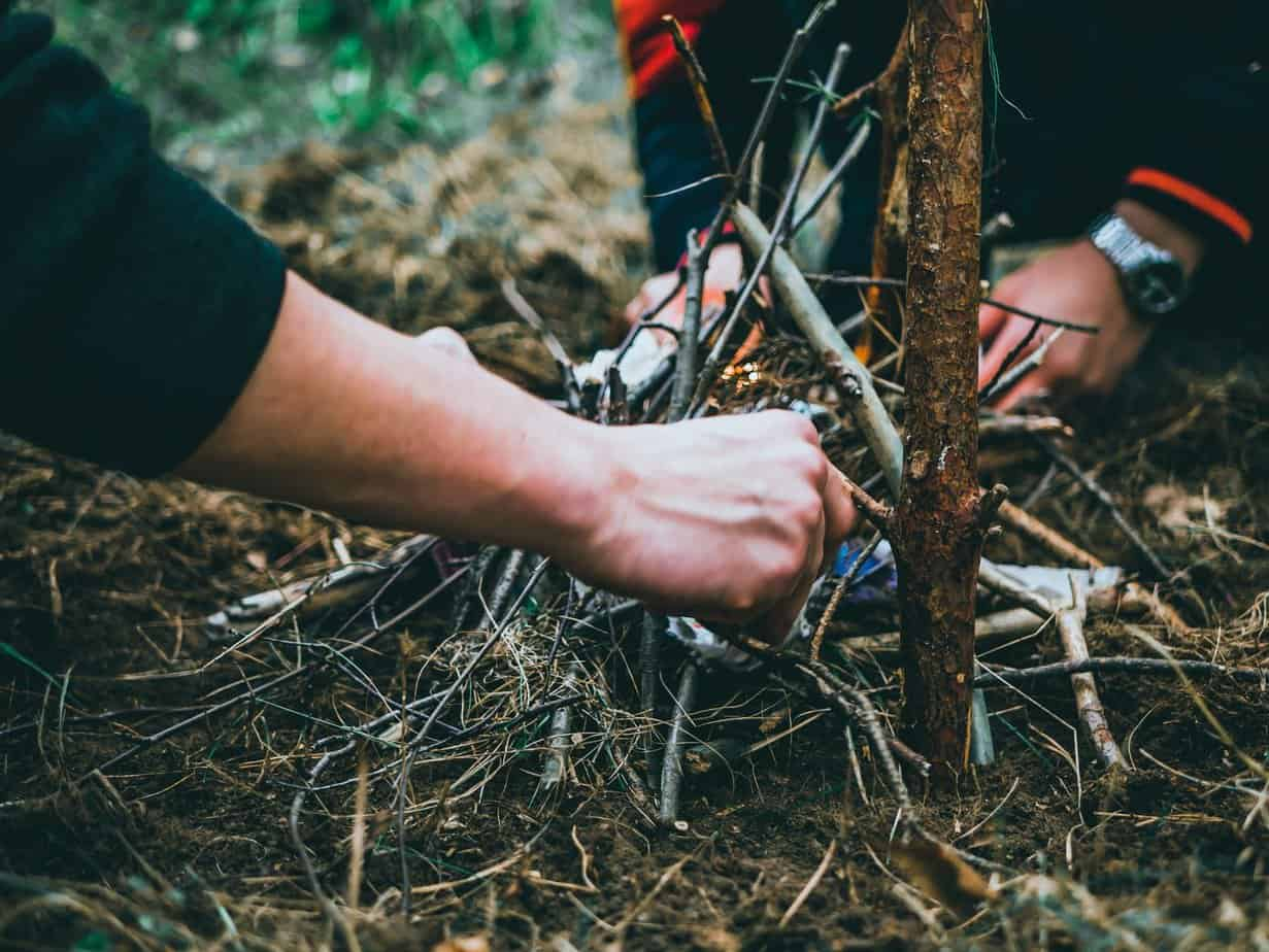 tips for building a fire in any conditions