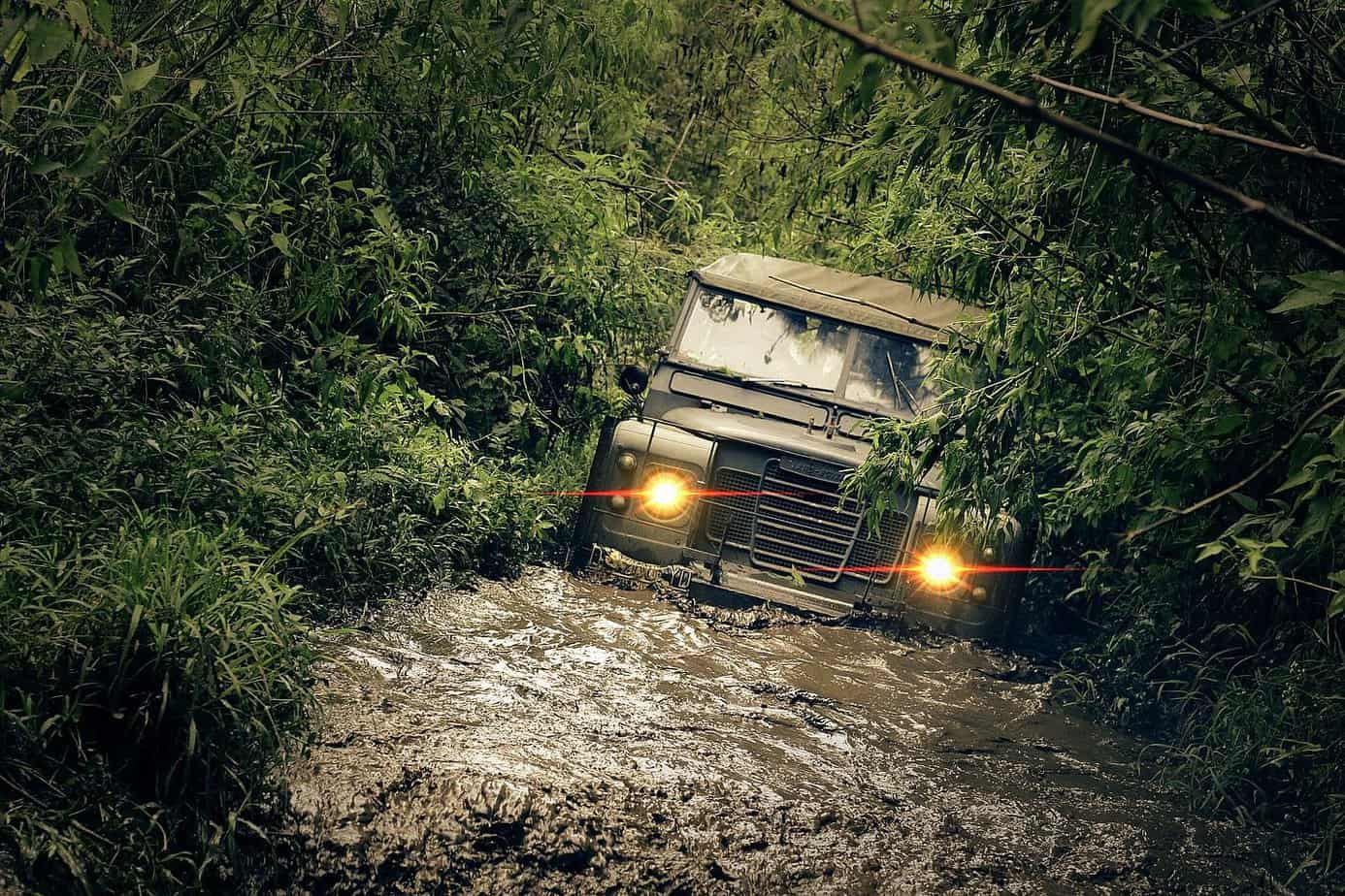 tips for building an off road recovery kit